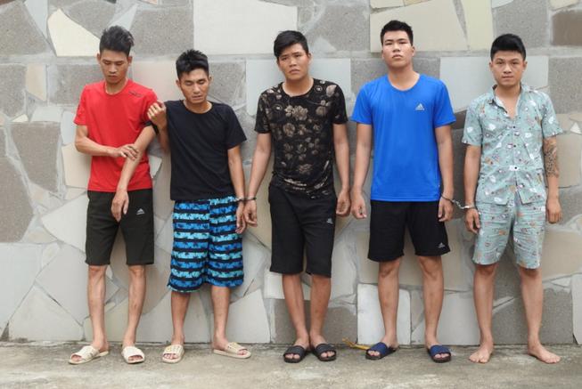 Bắt nhóm tội phạm Hải Phòng đi ô tô vào miền Trung lừa đảo