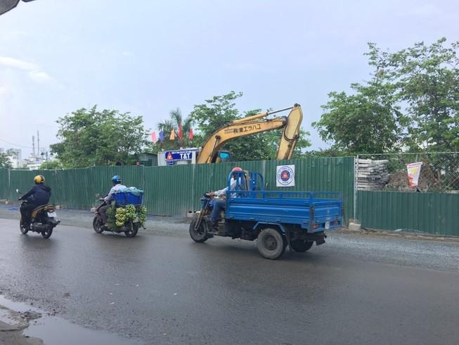 Trộm nước sạch để... tưới đường