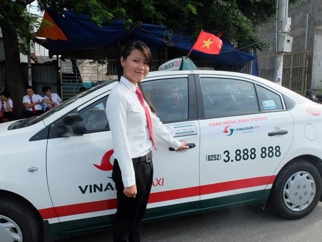 Taxi truyền thống thừa nhận 'không địch nổi Grab'