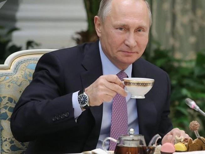 Bão tố đối ngoại không làm khó được ông Putin