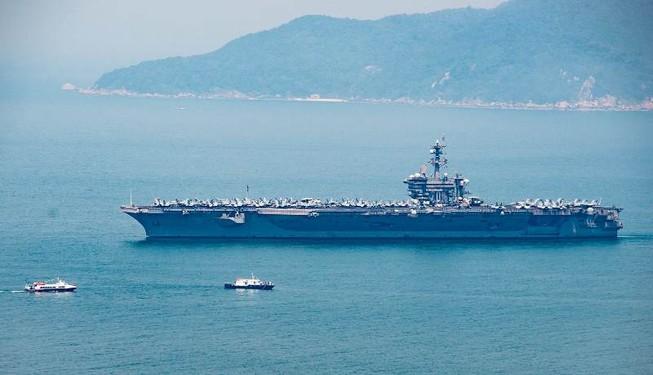 Tàu sân bay USS Carl Vinson đã neo tại vịnh Đà Nẵng