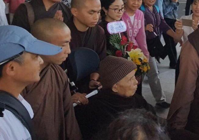 Thiền sư Thích Nhất Hạnh đến Đà Nẵng
