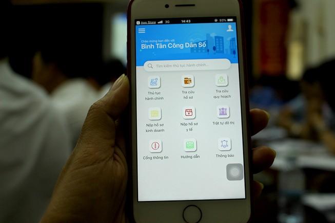 Bình Tân: Tra cứu thủ tục, nộp hồ sơ, góp ý bằng điện thoại