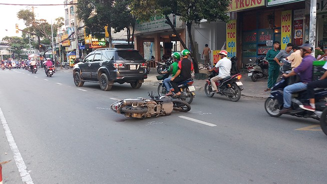 Tai nạn giao thông, người đàn ông không đội mũ bảo hiểm tử nạn
