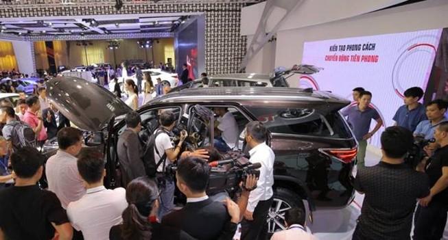 Ô tô Indonesia nhập về VN giá chưa tới 240 triệu đồng/xe