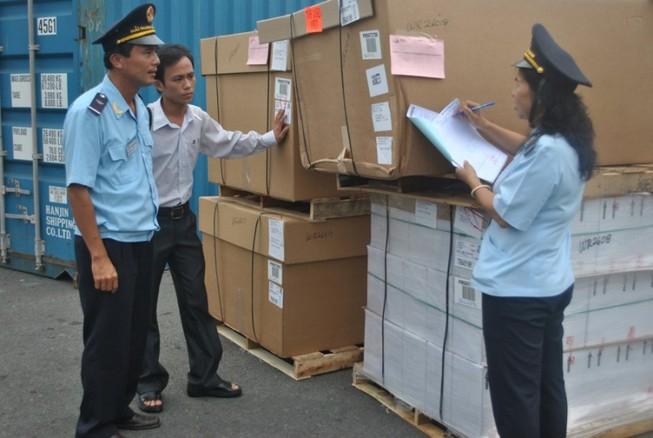 Hải quan TP.HCM thu ngân sách 'khủng' hơn 108.000 tỉ đồng