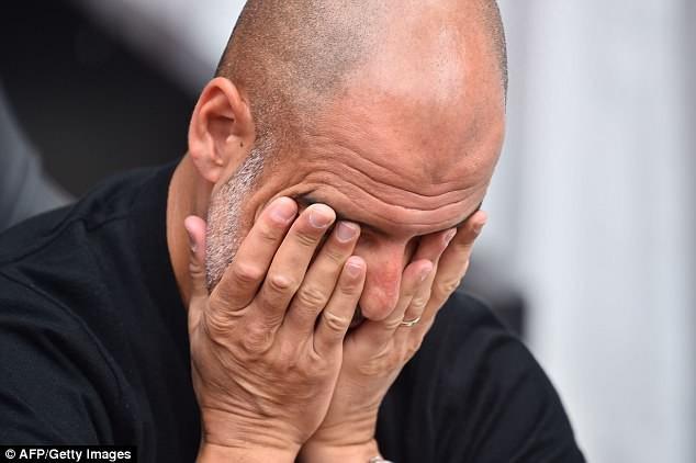 Pep Guardiola bất ngờ bị treo quyền chỉ đạo Man City