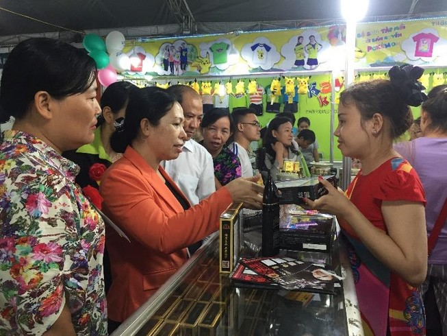"""Khai mạc """"Tân Bình-Phiên chợ khuyến mãi 2016"""""""