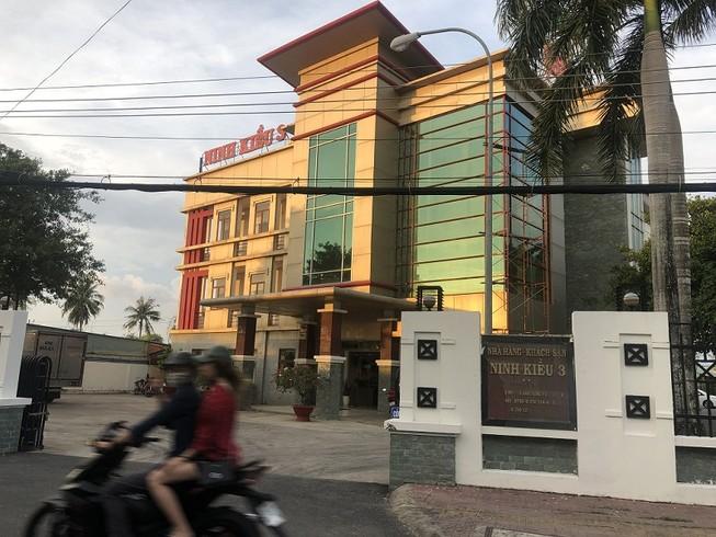 Bị kiểm tra trong khách sạn, thanh niên nhảy lầu tử vong