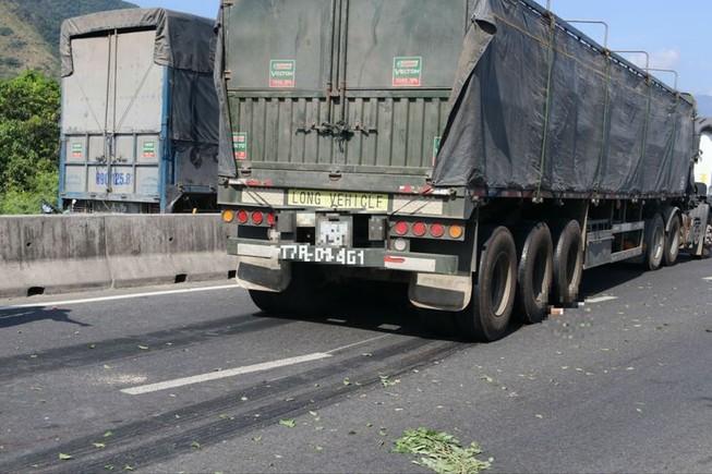 Lao người vào xe tải tử vong tại chỗ