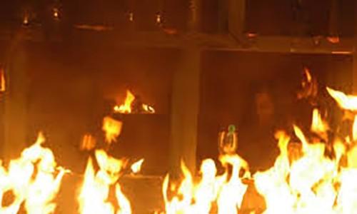 Nhà cháy, bà bầu may mắn thoát nạn vì đang uống nước mía