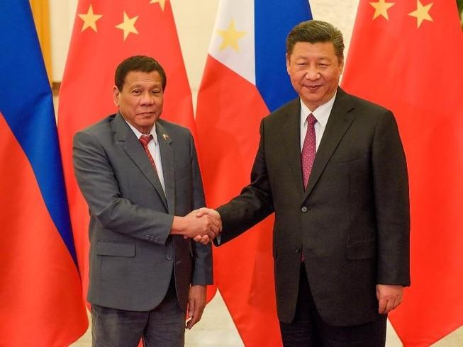 Philippines tuyên bố tạm bỏ qua phán quyết biển Đông