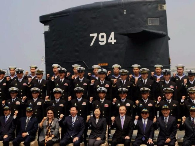 Tại sao Đài Loan muốn tự lực chế tạo vũ khí?