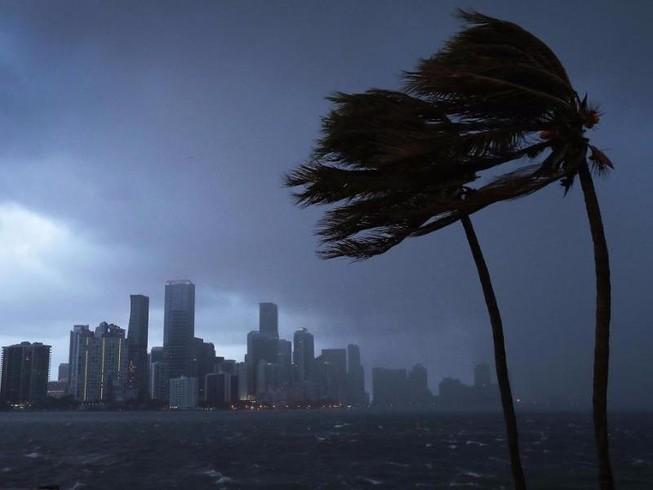 Sau Mỹ, Đài Loan sơ tán dân vì sắp hứng bão lớn