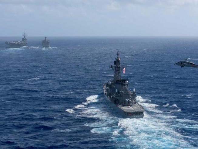 Tàu sân bay Mỹ tập trận sát Tây Nam Triều Tiên