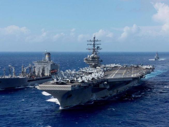 Máy bay hải quân Mỹ chở 11 người rơi ở Thái Bình Dương