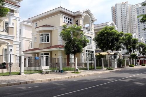 Bị mùi hôi thối tấn công, Phú Mỹ Hưng 'cầu cứu' chính quyền