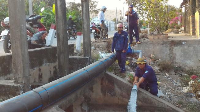 Rà soát tỷ lệ hộ dân được cấp nước sạch ở khu dân cư