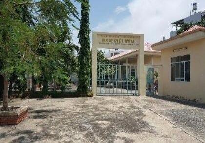 Trường học bỗng dưng bị chiếm