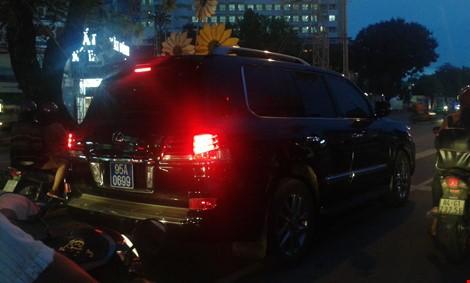 bắt đầu tư chuyện xe lexus 570 tư nhân gắn biển số xanh mà ông Thanh sử dụng đã lòi ra nhiều vấn đề khác khiến Tổng Bí thư phải chỉ đạo làm rõ