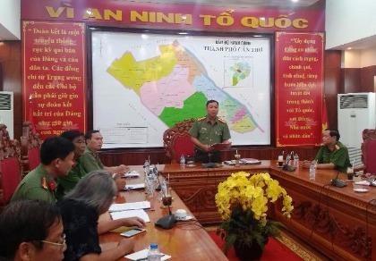 Quang cảnh buổi họp báo thông tin vụ Vũ Thị Hồng Yến tham ô tài sản