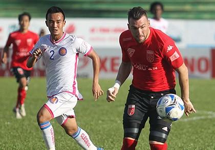Đội bóng 'chấp' ngoại binh, ban tổ chức V-League bó tay