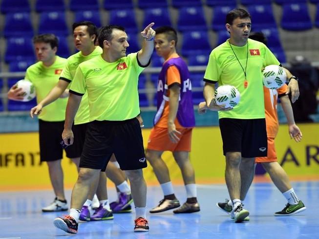 Futsal Việt Nam không chờ phép màu