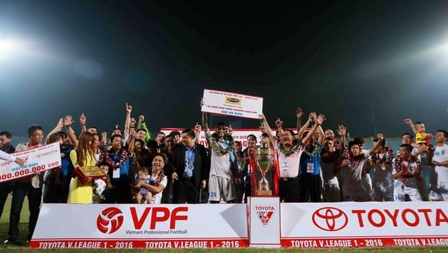 Hà Nội T&T vô địch V-League, nhận thưởng 13 tỉ đồng
