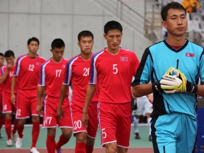 Cầu thủ Triều Tiên mang 'hàng chất' đến sân Thống Nhất