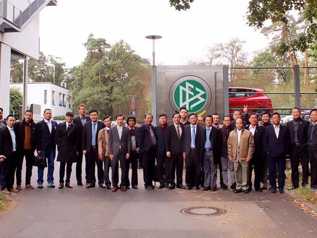 VPF học đào tạo HLV và cầu thủ trẻ ở Đức