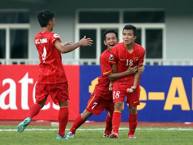 Hoàng Thanh Tùng lập siêu phẩm cho U-22 Việt Nam