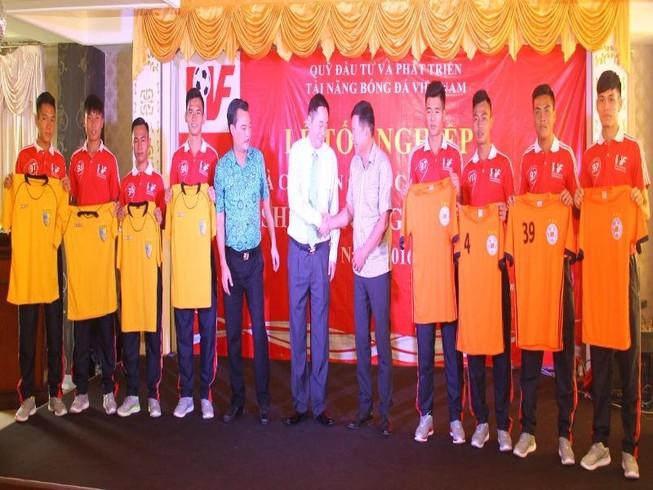 PVF bàn giao cầu thủ cho các CLB V-League