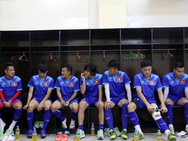 HLV Hữu Thắng loại Tuấn Anh và Quang Huy
