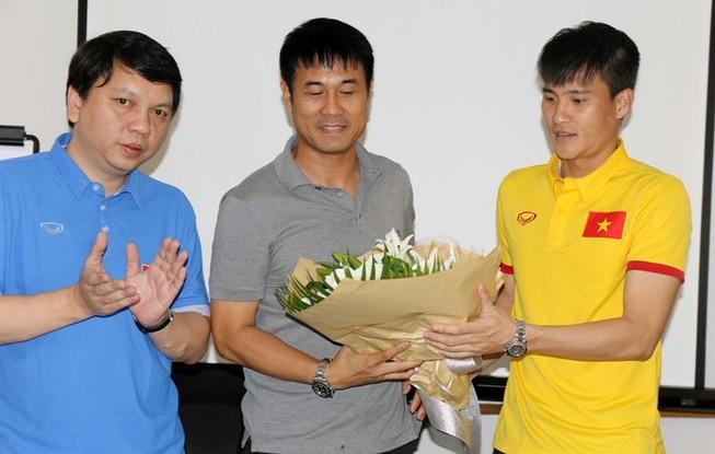 Tuyển Việt Nam hứa thắng Myanmar để làm quà tặng thầy