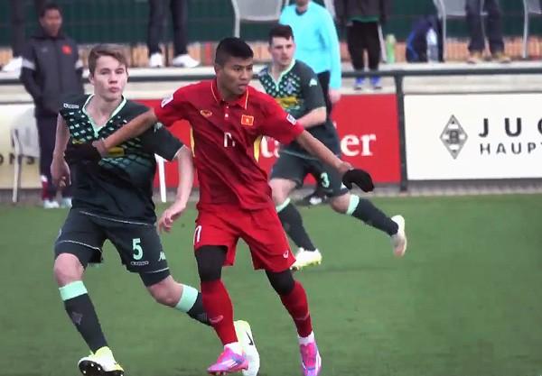 U-20 Việt Nam thua nhẹ U-23 Borussia Moenchengladbach