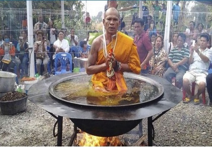 Lật tẩy phép màu của các nhà sư 'dỏm' đất Thái
