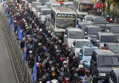 Kẹt xe 72 tiếng ở Indonesia, 12 người tử vong