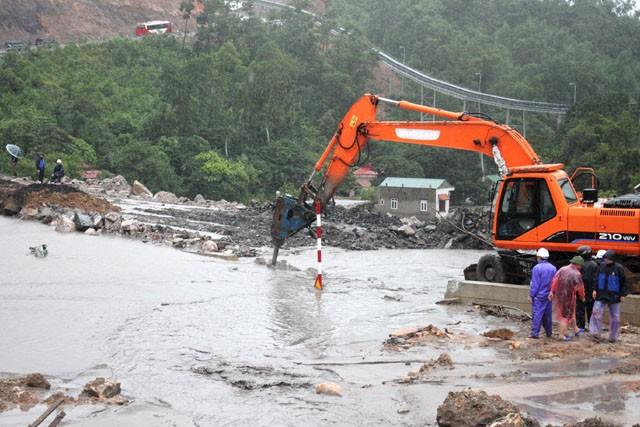 9.000 người chết vì động đất, mưa lũ, nắng nóng