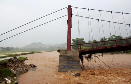 4 người chết, 8 người mất tích trong cơn lũ lớn ở Lào Cai