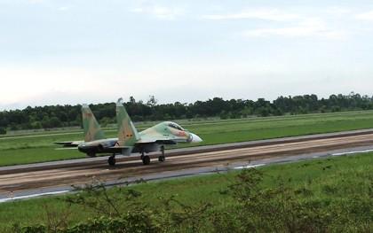 Thượng tướng Võ Văn Tuấn: Tổ chức các chuyến bay Su30-MK2 và Casa 212 là bình thường