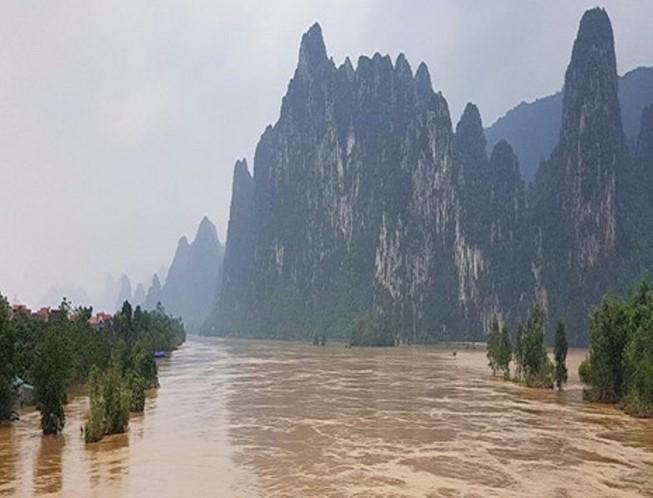Lũ trên các sông từ Nghệ An đến Quảng Bình đang lên