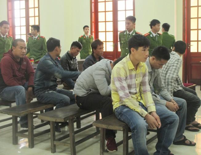 'Thủ lĩnh' nhóm 23 người ném mìn vào lễ ăn hỏi lãnh án tù