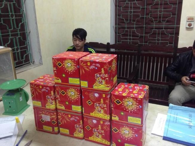 Bị bắt giữ vì buôn pháo Trung Quốc phục vụ... tết Bính Thân