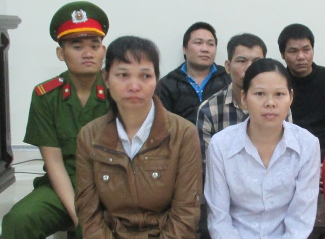 Nhẫn tâm bán con gái riêng của chồng sang Trung Quốc