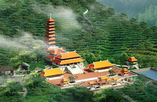 Một ngôi chùa được công nhận bốn kỷ lục Việt Nam