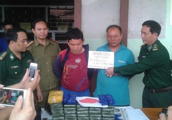 Chặn hai người Lào mang số lượng ma túy khủng vào Việt Nam