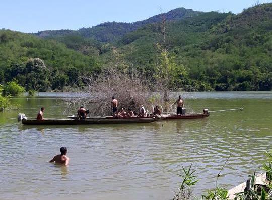Bơi ra sông Lam bắt tổ kiến, một học sinh lớp 11 chết đuối