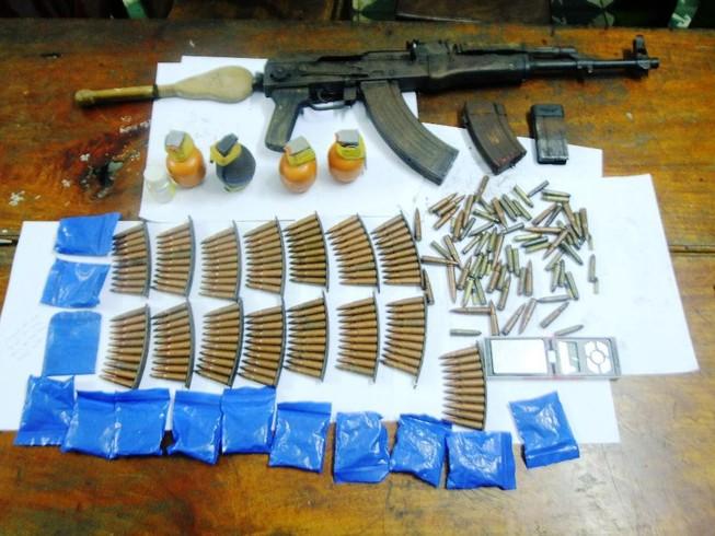 Bắt kẻ buôn ma túy có súng AK và hơn 150 viên đạn
