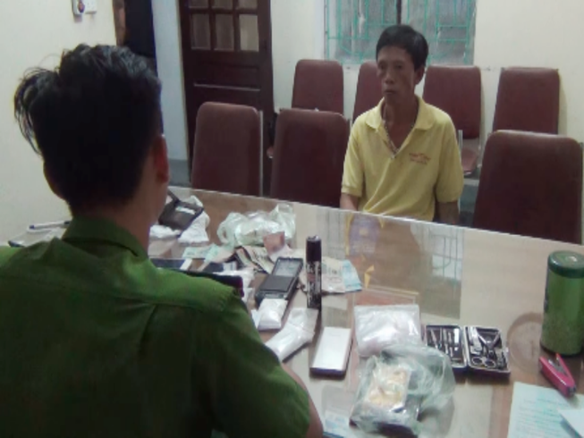 Tài xế mang ma túy trong xe taxi lĩnh 18 năm tù