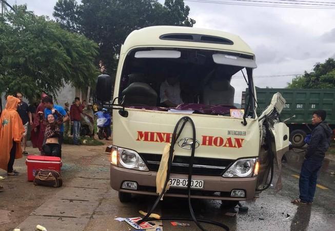 Cận cảnh tai nạn thương tâm làm 6 người tử vong